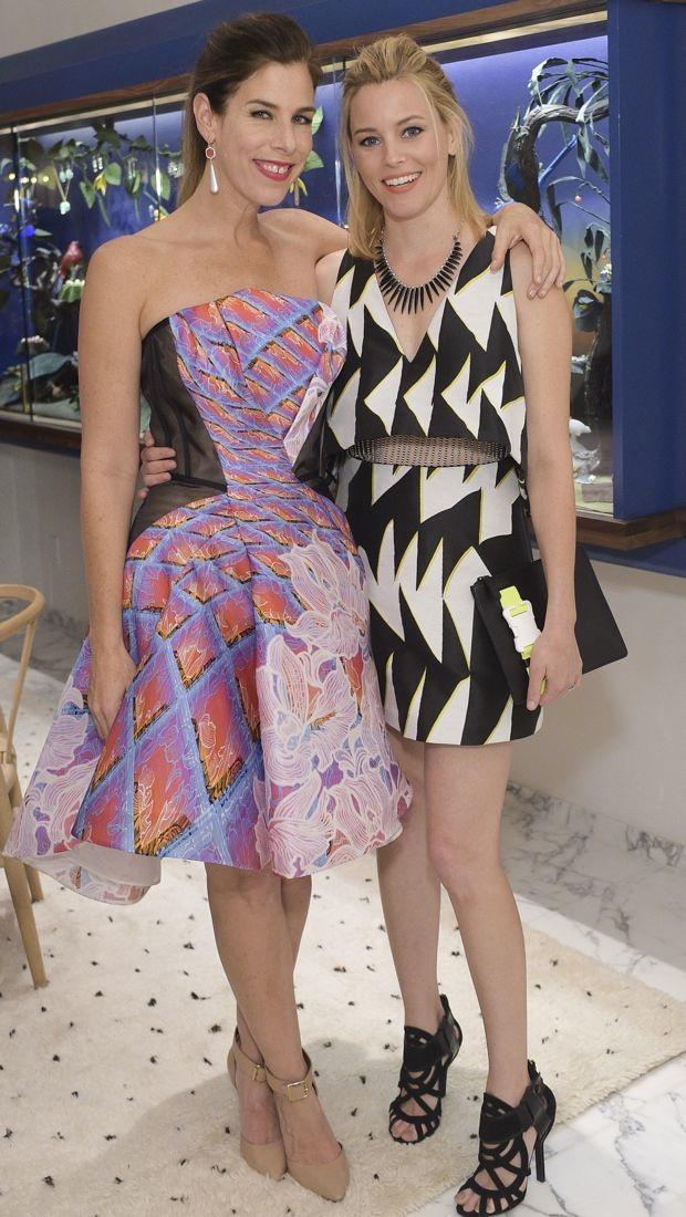 Elizabeth Banks sports a graphic Thakoon dress