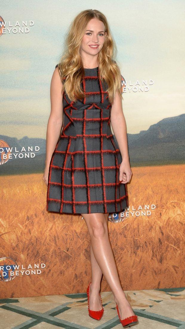 Britt Robertson promotes 'Tomorrowland' in Christian Dior