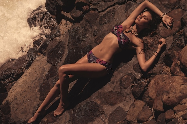 Rachael Finch models for Speedo