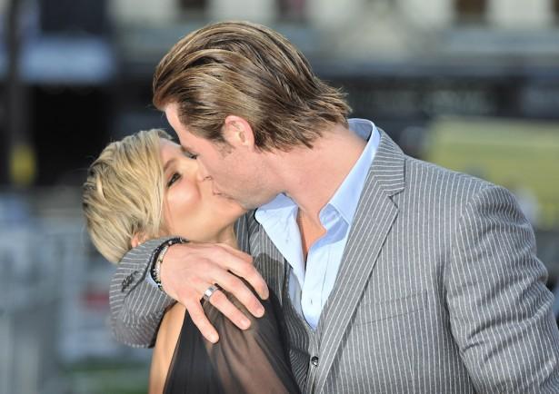 Chris Hemsworth kissing wife