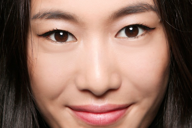 woman with shine-free complexion