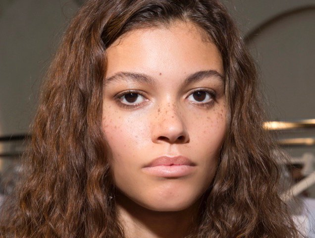 curly hair at Paco Rabanne Spring 2018