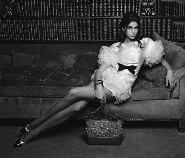 Chanel Handbags S/S 2018 : Kaia Gerber by Karl Lagerfeld