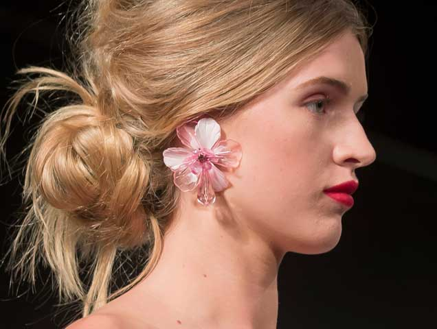 Floral earrings on the Badgley Mischka Spring 2018 runway