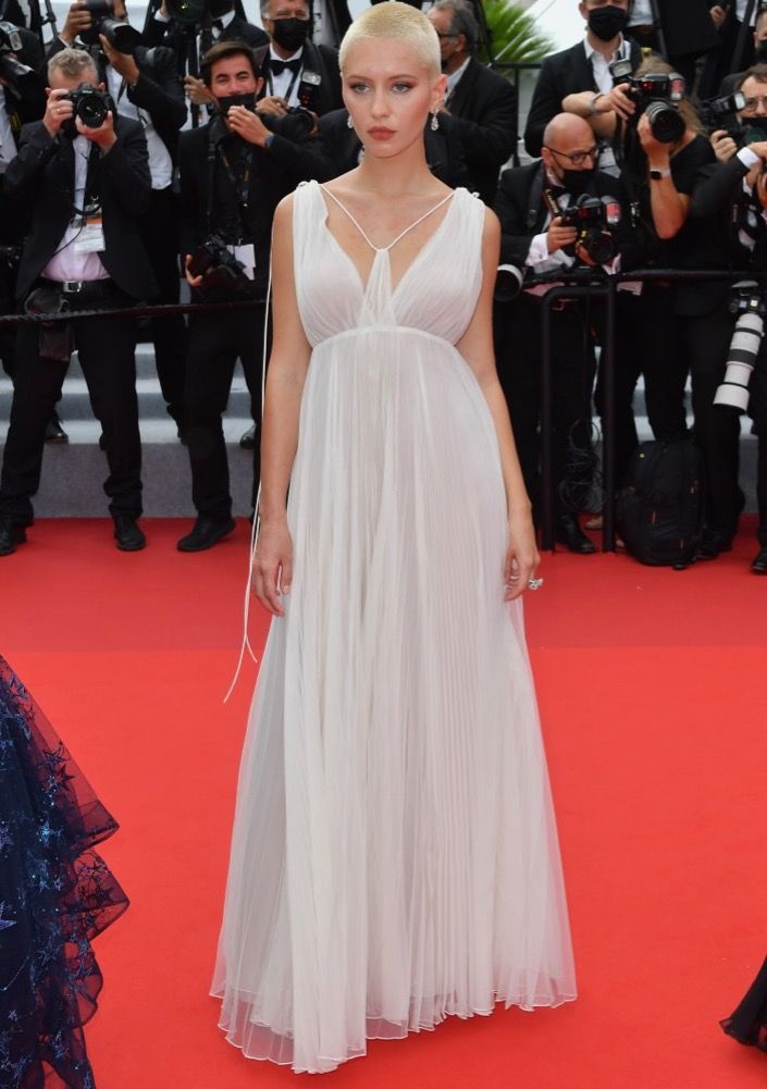 Iris Law at the Premiere of The French Dispatch