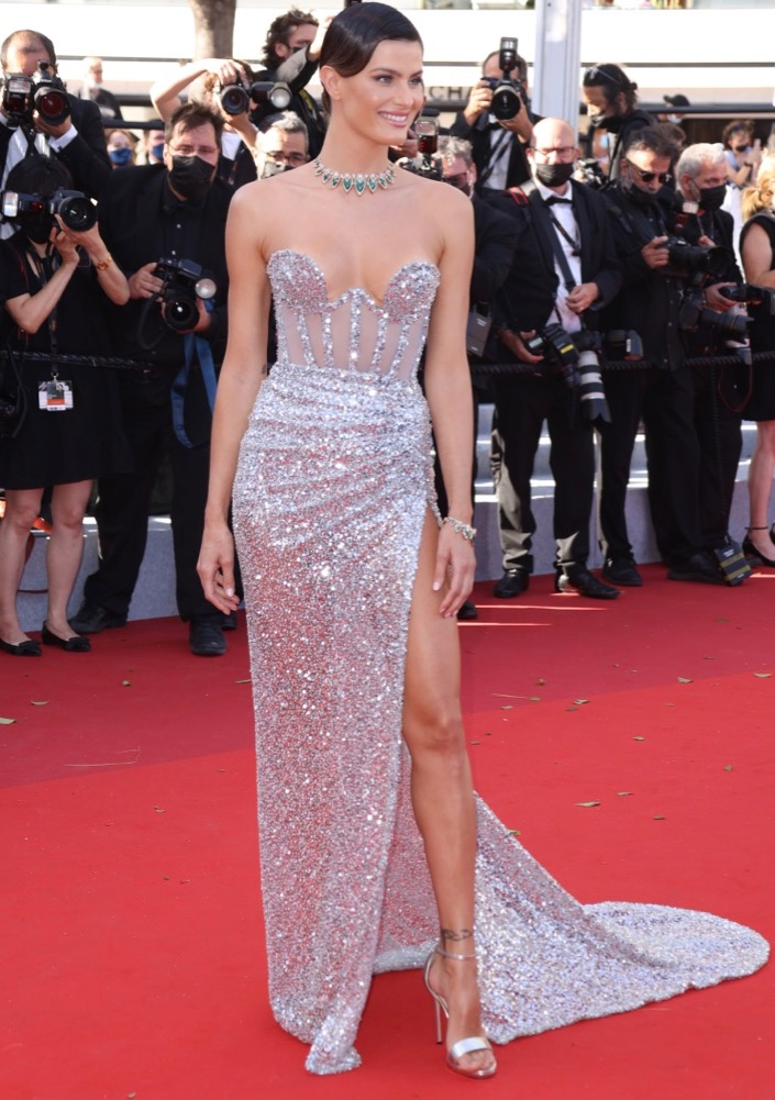 Isabeli Fontana at the Premiere of Aline, The Voice of Love