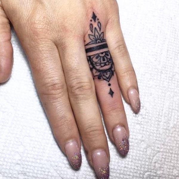 Tattoo ladies ring 19 Irresistible